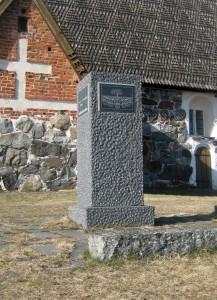 edesmenneitten_muistomerkki_etelasta-217x300